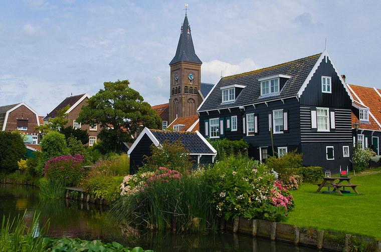 Volendam-2